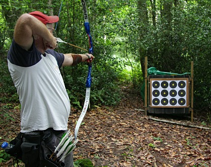 traditional bowstyle at field archery